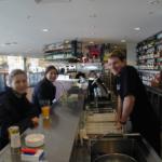 カフェで生肉で販売し、ユーザーに焼いてもらうBBQスタイルカフェ シドニー・オーストラリア