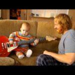 rocksmithでギターを弾く、驚くべき赤ちゃん!