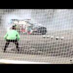サッカー選手ネイマールJRとラリー選手のケン・ブロックの意味不明な勝負!