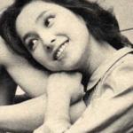 昭和の美女、現代の美女をモノクロレトロ比較♡佐々木希さんでしょうか?