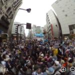 リコーのTHATAの正しい使い方 現場の360度パノラマ画像 新宿伊勢丹前SEALDs街宣