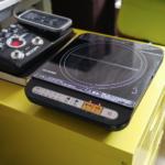 進化するデスクトップキッチン! IHコンロ アイリスオーヤマ IHK-T34-B