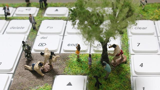 キーボード上の宇宙に草原世界を創る。やはりデイリーポータルZは天才である! 1