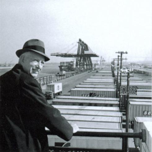 世界を変えた『箱』の発明 1956年(昭和31年)コンテナライゼーションで始まった物流革命 マルコム・マクリーン『コンテナ物語』 2